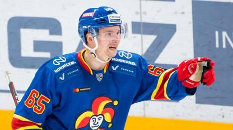 Sakari Manninen on ollut KHL-kauden alussa hyvässä maalintekovedossa.