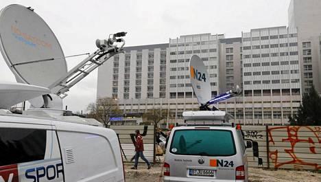 Schumacheria on hoidettu yliopistosairaalassa Grenoblessa.