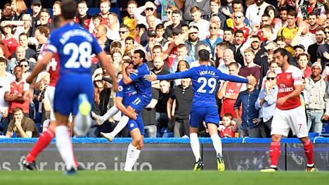 Chelsea kaatoi Arsenalin lauantai-illan huippuottelussa.