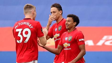 Jesse Lingard juhlii 2–0-maaliaan. Vierasvoitto Leicesteristä toi Manchester Unitedille paikan ensi kauden Mestarien liigaan.