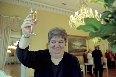 Valkama palkittiin teatteritaiteen valtionpalkinnolla Helsingissä vuonna 2000. Palkinnon suuruus oli 75 000 markkaa.