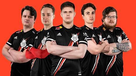 G2 Esportsissa pelaavat Aleksi Työppönen (toinen vasemmalta) ja Juhani Toivonen (oikea reuna) ovat turnauksen ainoat suomalaiset.