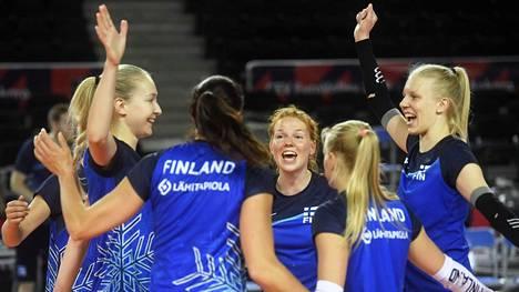 Suomi kohtaa lentopallon naisten EM-kisoissa lauantaina Turkin ja sunnuntaina Kreikan.
