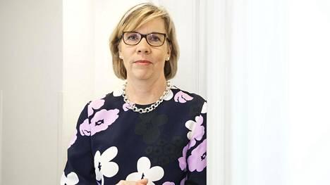 Oikeusministeri Anna-Maja Henrikssonilla oli iso rooli siinä, että Uudenmaan raja aukaistiin muutamaa päivää suunniteltua aikaisemmin.
