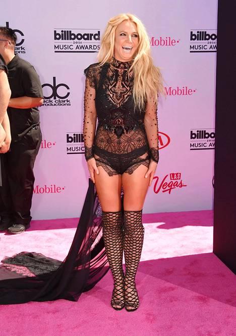 Britney Spears on tunnettu näyttävistä asuistaan. Kuva maaliskuulta 2016.