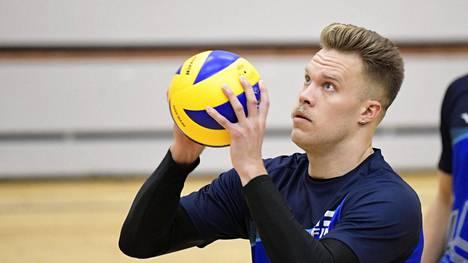 Lentopallon käsittämätön MM-ohjelma ihmetyttää Suomen tähtipelaajia: