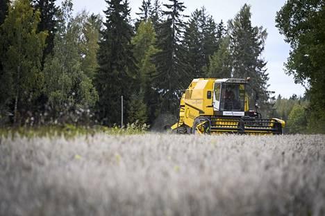 Maanviljelijät kokevat ilmastonmuutoksen konkreettisesti omilla pelloillaan.