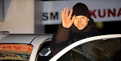 Kimi Räikköstä ei muiden tekemiset kiinnosta. Viikonloppuna Kimi ajoi rallia Mikkelissä.