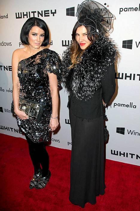 Sara La Fountain ja Tina Antoniades,
