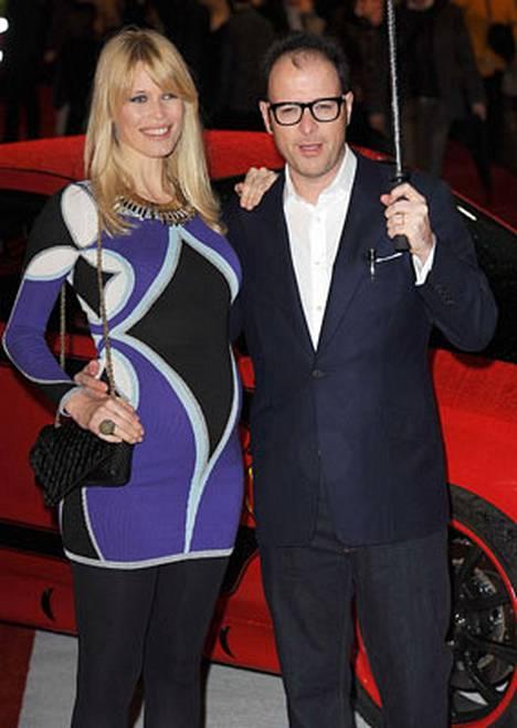 Saksalaismalli Claudia Schifferin ohjaajapuoliso Matthew Vaughn pelkää tulevansa fanin murhaamaksi kuten John Lennon.
