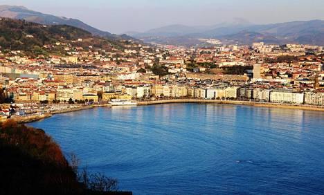 San Sebastián eli baskiksi Donostia sijaitsee20 kilometrin päässä Ranskan rajasta
