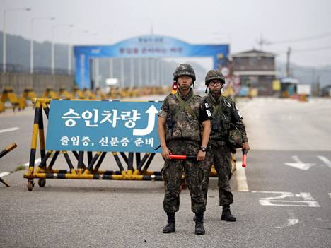 Pohjois- ja Etelä-Korean rajan tapahtumat nousevat usein uutisiin.  Sen sijaan Pohjois-Korean pohjoinen raja Kiinan kanssa saa vähemmän julkisuutta vaikka suuri osa loikkareista pakenee sitä kautta.