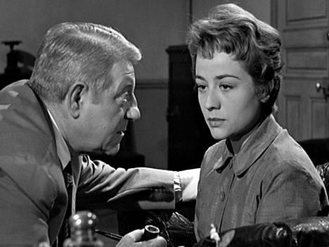 Dekkarissa Maigret (Jean Gabin) virittää ansan.
