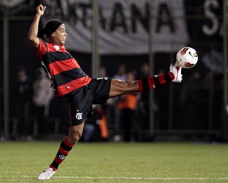 Brasilialaistaituri Ronaldinho on tehnyt taikojaan Flamengossa.