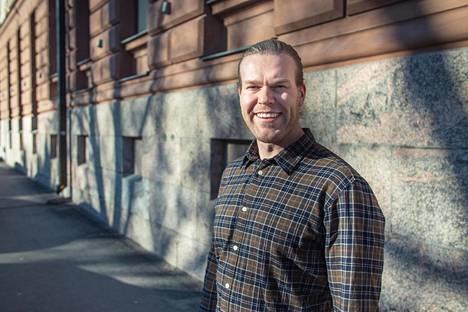 Julius on sittemmin siirtynyt pois pankkialalta ja työskentelee nykyään yrittäjänä Helsingin Ullanlinnassa.