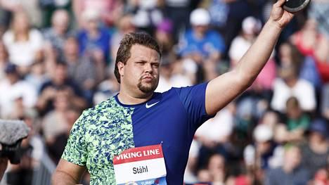Daniel Ståhl on ruotsin valovoimaisimpia yleisurheilijoita. Kiekkomies korostaa, ettei korona kurita häntä niin paljon kuin monia muita.
