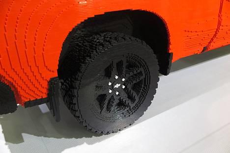 Legoja tällä kertaa vanteita ja renkaita myöten!