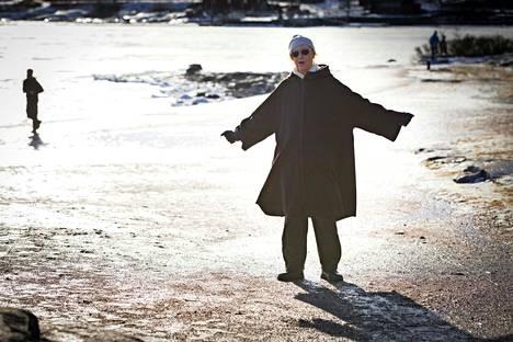 – En pidä elämäkerroista! Yli 40 vuotta olen kieltäytynyt eri kustantajien muistelmapyynnöistä. Minä olen näyttelijä.