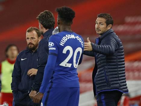 Frank Lampard on päättämässä ensimmäistä kauttaan Chelsean päävalmentajana.