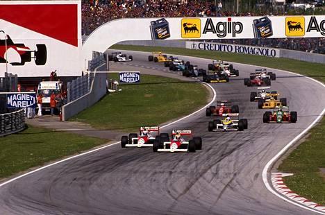 Ayrton Senna ja Alain Prost olivat reilusti muita edellä 1988 ja 1989 McLarenin ratissa. Senna voitti maailmanmestaruuden 1988, Prost 1989.