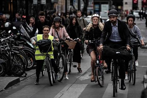 Polkupyörä oli perjantaina suosittu.