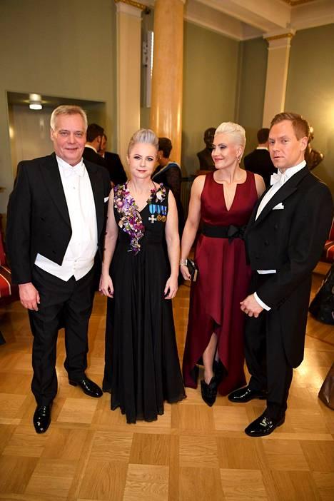 Antti Rinne (vas.), Heta Ravolainen-Rinne, Riitta Mäkinen ja Jussi Kaarisalo