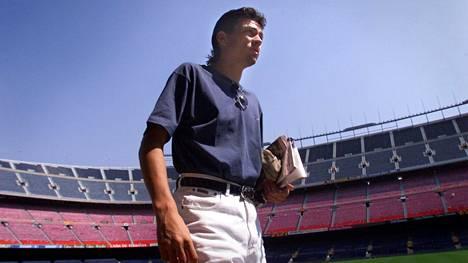 Tuore superhankinta Jari Litmanen FC Barcelonan kotistadionilla vuonna 1999.