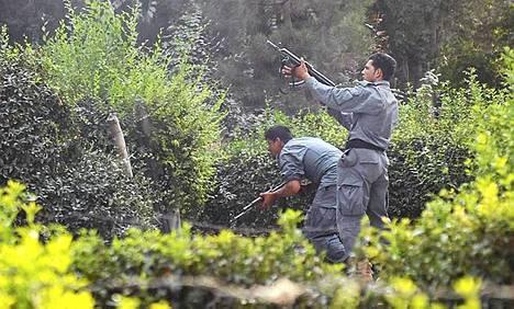 Afganistanin turvallisuusjoukot tulittivat hyökkääjiä.