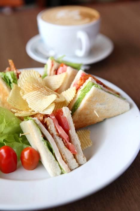 Mexico Cityn hotelleissa klubivoileipäannos maksaa keskimäärin 8,91 euroa. Kalleimmat club sandwich -annokset tarjoillaan Genevessä 27,90 euron hintaan.