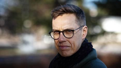 Alexander Stubb on Eurooppa-yliopiston linjanjohtajaksi ja professori.