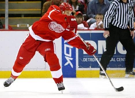Nicklas Lidström (oik.) loisti NHL-vuosinaan Detroit Red Wingsissä.
