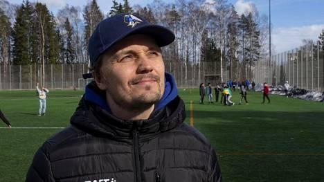 Työuupumus vei valmentaja Joonas Naavan sairaalaan.