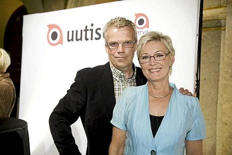 Nuotio yhdessä kollegansa Keijo Leppäsen kanssa.