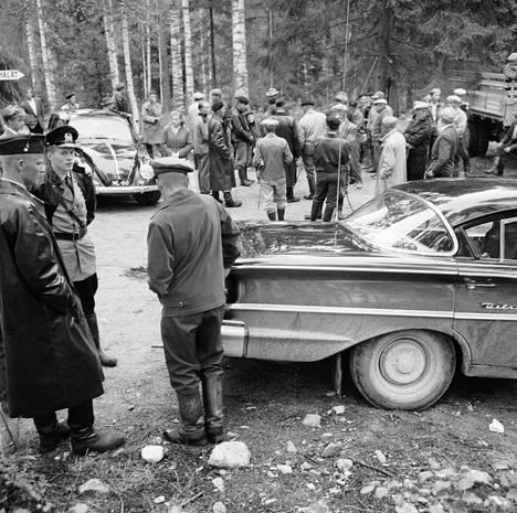 Pyöräretkellä olleet Eine Nyyssönen ja Riitta Pakkanen löydettiin surmattuina suohaudasta elokuussa 1959 läheltä Tulilahden leirintäaluetta.