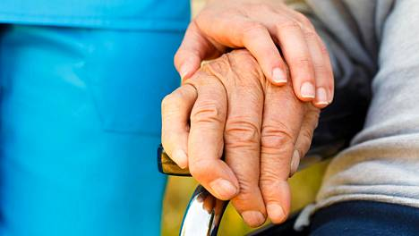 Parkinsonin tauti on hitaasti etenevä liikehäiriösairaus, johon liittyy muun muassa vapinaa, liikkumisen hidastumista ja lihasjäykkyyttä.