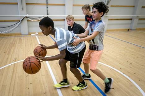 Alppila Basketin harjoituksista ei puuttunut vauhtia.