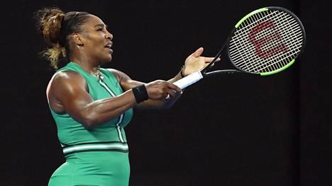 Serena Williams pudotti maailmanlistan ykkösen Australian avoimissa