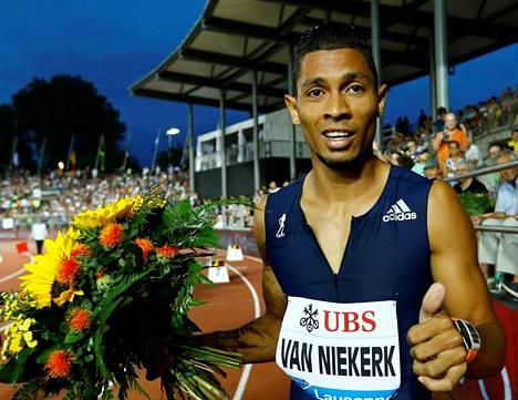 Wayde van Niekerk on tällä hetkellä omaa luokkaansa sileällä ratakierroksella.