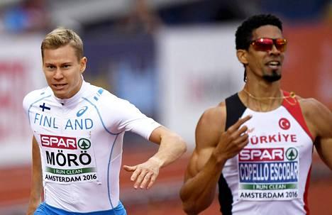 """Oskari Mörö tuli 400 metrin aidoissa neljänneksi. Voiton vei """"turkkilainen"""" Yasmani Copella Escobar."""