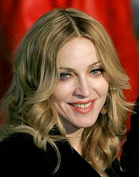 Madonna hioo jättisopimusta Live Nation -yhtiön kanssa.