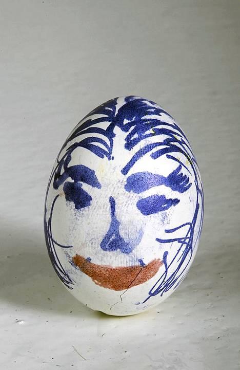 Muna nro 2: Tämä taiteilija on halunnut ikuistaa munalleen kasvot.