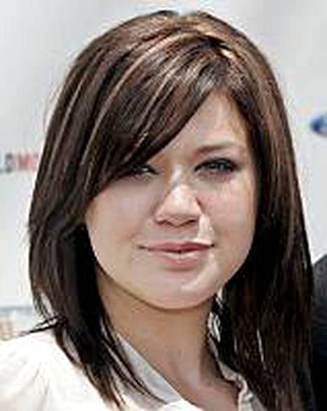 Kelly Clarksonin pulmusen imago rapisee. Tähti on ilmoittanut kokeilleensa marihuanaa.