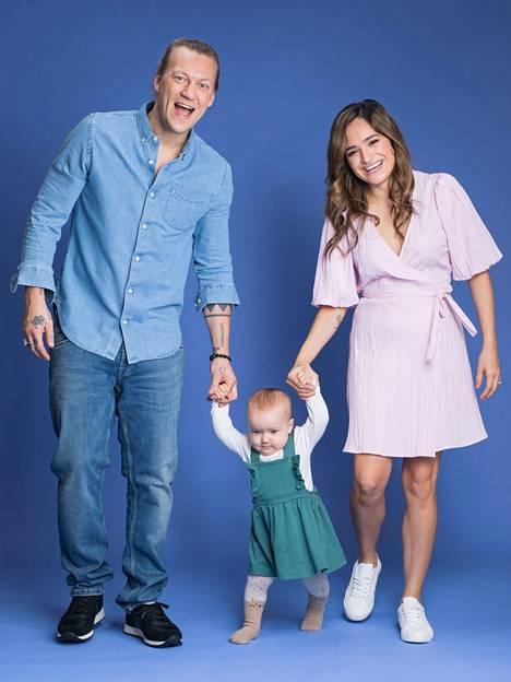 Jukka ja Chachi Hildénin ensimmäinen lapsi, Sophia Rose, syntyi vuonna 2018.