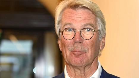 Talousvaikuttaja Björn Wahlroos julkaisi vastikään muistelmansa, joissa hän kertoo nuoruusvuosistaan vasemmistoradikaalina.