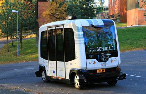 Teknologian tutkimuskeskus on testannut autonomisesti liikkuvia ajoneuvoja julkisen liikenteen seassa Suomessa.