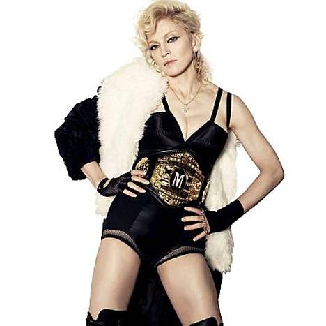 Madonna näyttää paremmalta kuin koskaan uutta Hard Candy -levyä varten otetuissa kuvissa.