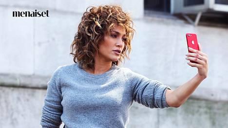 Jennifer Lopez näyttää ihanalta lyhyessä käkkärätyylissään.