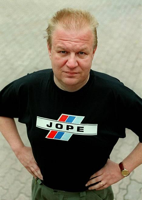 Jope Ruonansuu kuvattuna vuonna 2000.