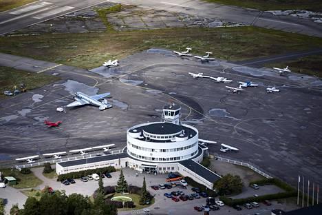 Malmin lentoasema kuvattuna elokuussa 2018.