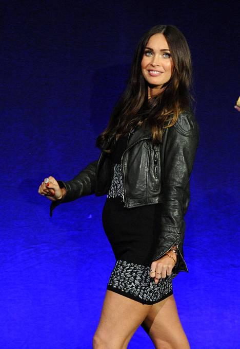 Megan Foxin yllätysraskaus tuli julkisuuteen huhtikuussa kun hän saapui mainostamaan uutta elokuvaansa CinemaCon-tapahtumaan Las Vegasissa.